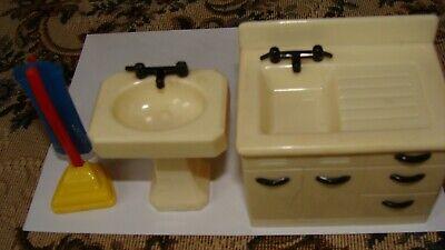 Vintage Renwal Dollhouse furniture- kitchen-bathroom sink-vacuum -fits ideal