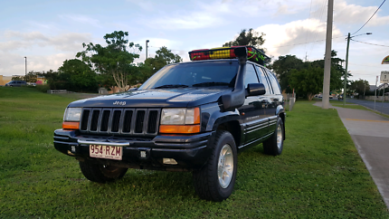 Jeep Grand Cherokee 1998 limited A/C 4x4