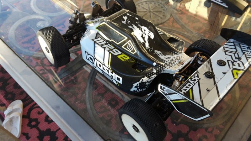 Kyosho mp9e 4s remote/receiver...losi team associate hpi