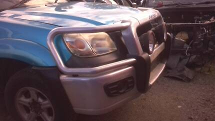 SELLING MAZDA BT-50 FACTORY ALLOY BULLBAR WITH BOLTS AND BRACKETS