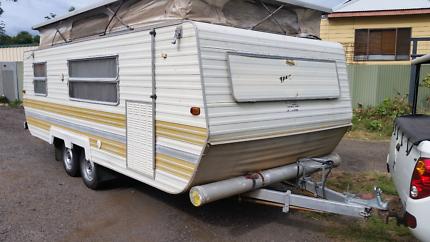 1982 Millard 18ft van Bunk beds. Kurri Kurri Cessnock Area Preview