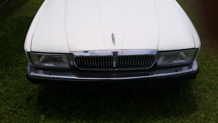 Jaguar 89 XJ40 sedan parts