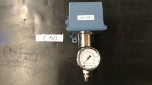 J4020-15825 / 6-129030-00 Pressure Switch With Guage