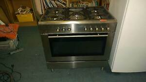 900mm wide duel fuel stove stainless steel Geraldton Geraldton City Preview