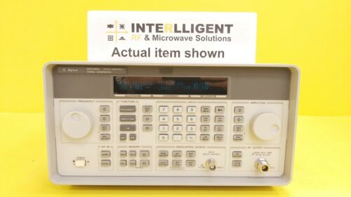 HP / Agilent / Keysight 8648D, 4GHz RF Signal Generator OPT 1E5 (High Stability)