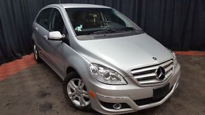 Clean and safe 2009 Mercedes Benz B200