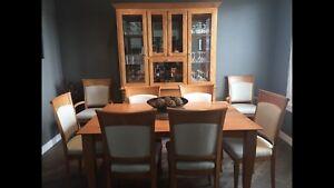 Dinec Dining Room set
