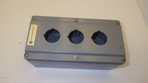 Allen Bradley 800t-3tz Type 4/13 Series T  3 Holes Surface Pushbutton Enclosure