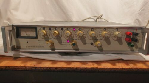 Fluke 343A DC Voltage Calibrator