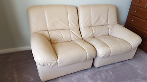 Leather lounge suite Burra Queanbeyan Area Preview