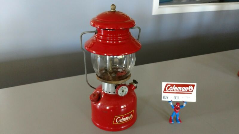 Coleman Lantern 200A  Born 1/1960 Nice User