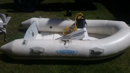 DINGY INFLATABLE BOAT