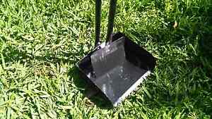 Metal dog scoop with a pan. Bentleigh East Glen Eira Area Preview