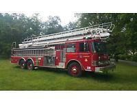 Pierce E-2570 75 FOOT  TELE-SQURT LADDER FIRE TRUCK     8V92