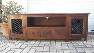 STUNNING BALINESE STYLE TV BENCH, GC! Greenslopes Brisbane South West Preview