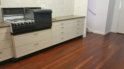 House for rent 10 mins drive to beach in Medina Kwinana. High Wycombe Kalamunda Area Preview