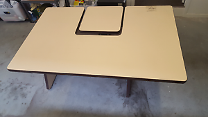 Free Desk to pick up Oakdowns Clarence Area Preview