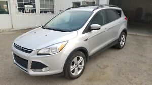 * * 2013 FORD ESCAPE SE WITH LEATHER & AWD * 6 MTH WARRANTY INC*