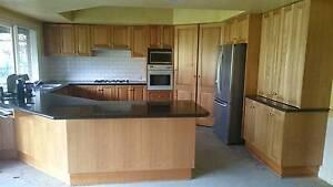 Solid Tassie Oak Kitchen & appliances Warrandyte Manningham Area Preview