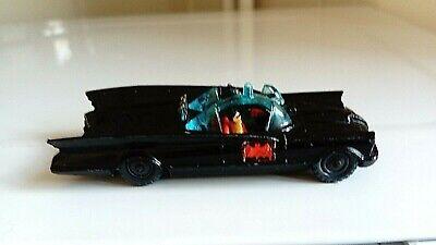 CORGI HUSKY 1402 BATMOBILE 1966 WITH BATMAN AND ROBIN, RARE.