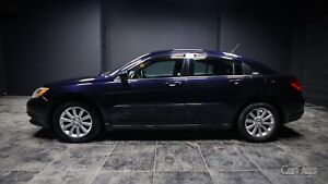 2011 Chrysler 200 Touring HEATED SEATS! AUX/SAT/CD READY!