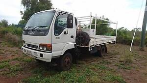 Priced to sell, Excellent Condition 4WD Isuzu truck with extras Lissner Charters Towers Area Preview