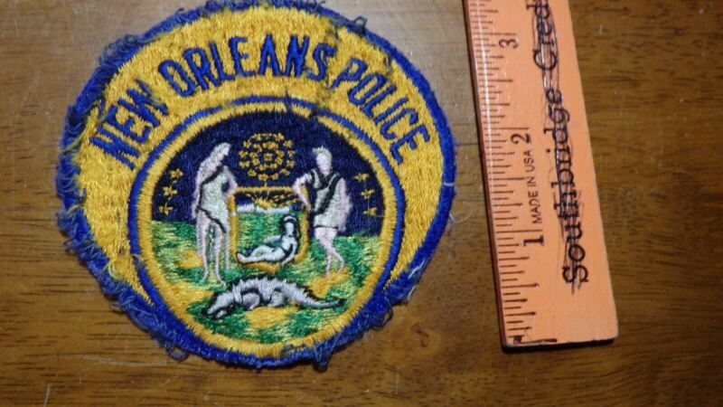 VINTAGE  NEW ORLEANS LOUISIANA POLICE  OBSOLETE  PATCH BX 11# 32