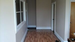 Room for $400 a month. Non smoker,Non drinker, quiet, clean