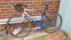 Giant Ocr A.Sport mens road bike 50 inch frame (medium)