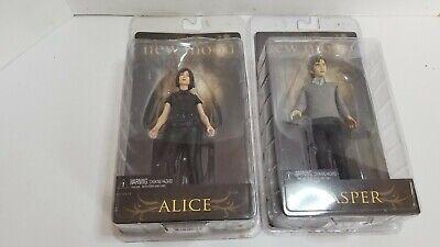 Two The Twilight Saga New Moon Action Figures: Alice & Jasper (J21)