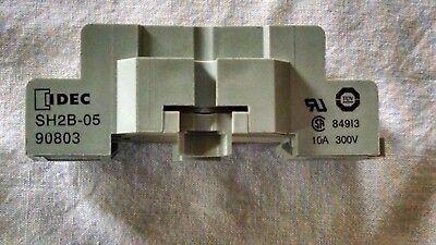 Idec Relay Block Sh2b-05 300v 84913 8- Pin Item 7