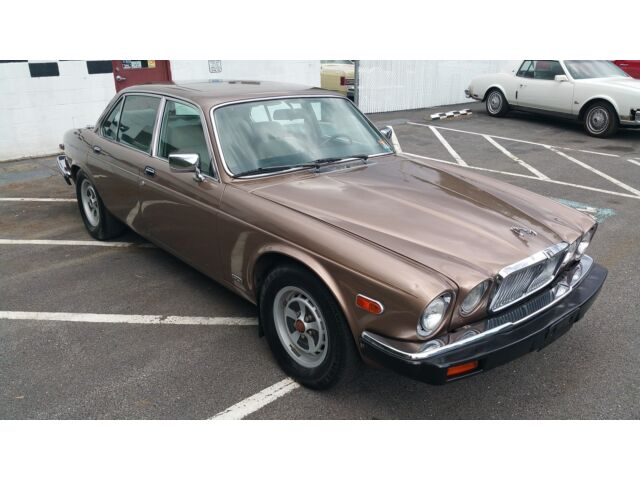 Image 1 of Jaguar: XJ 4dr Sedan…