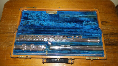 Vintage Armstrong flute, Model 90 with Sterling body and head joint and case.