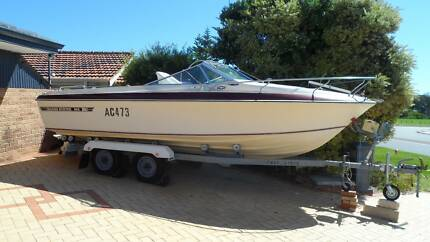 boat Haines hunter R600