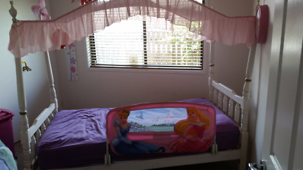 Princess Canopy Bed - Queen Anne Style