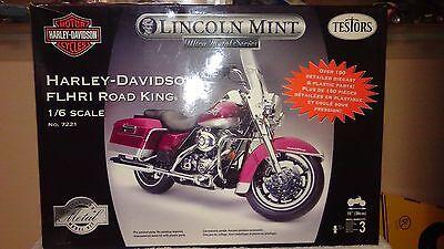 TESTORS 1/6 Scale Model Motorcycle Kit Harley Davidson Road King #7221