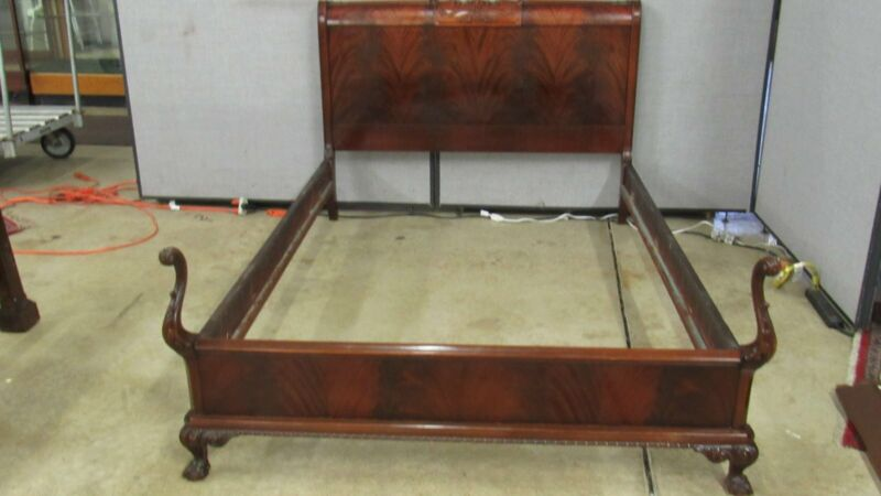 Flame Mahogany Full Bed  Chippendale Claw Feet Bedroom Set