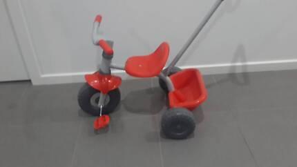 Toddler tricycle trike