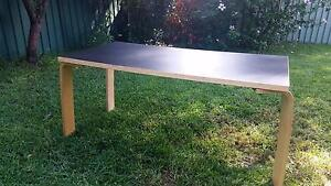 Ikea Desk- Legs removable for easy transport Glendenning Blacktown Area Preview