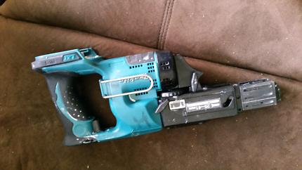 Makita collated screw gun skin.
