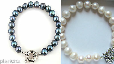 8-9mm Cultured Pearl Bracelet in Black or White 7.5
