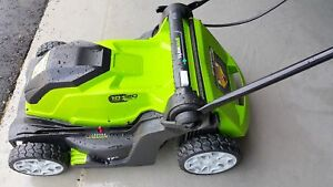 Like New - Greenworks Powerful 17 Inch 10 AMP Corded Lawn Mower