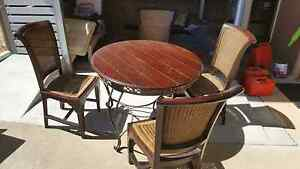 4 seater round table and chairs Warwick Southern Downs Preview