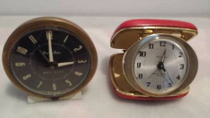 TRAVELING WINDING TABLE CLOCks with alarm