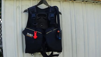 U.S. Divers Regs + Tusa BCD + Pony Tank + Beuchat Flippers