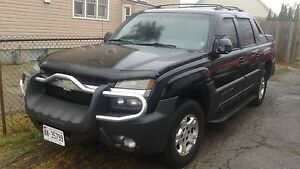 2003 Chevrolet Avalanche **PRICED TO SELL