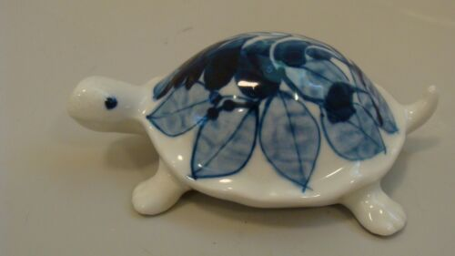 Little Switzerland Fine Porcelain Hand Painted Small Turtle Figurine