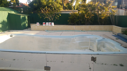 Polyfibre Swimming Pool free to collect