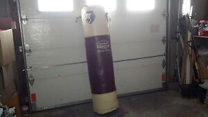Sac cuir lourd boxe/ Punching bag and stand boxing