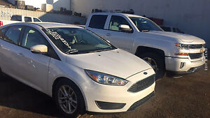 2015 Ford Focus se hatch back standard! Needs sold right away !